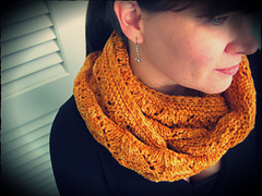 Loralee_cowl3_small