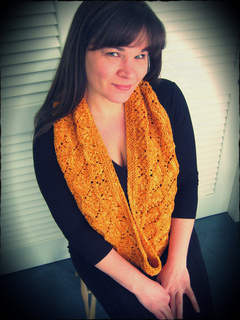 Loralee_cowl2_small2