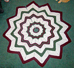 Ravelry: Christmas Tree Skirt pattern by Donna Mason-Svara