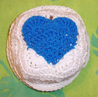 Foxs_crossed_double_heart_hat_small2