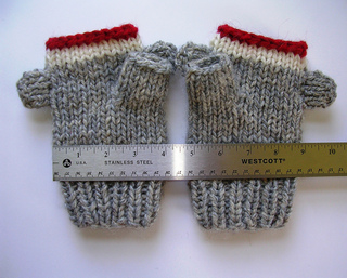 Sock_monkey_1_small2