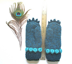 Peacock_mittens_1_small