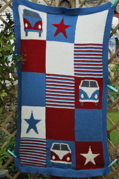 Knitted_campervan_blanket_red_white_and_blue_splitscreen_small_best_fit