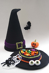 Witches_hat_with_sweets_and_extras_small_best_fit