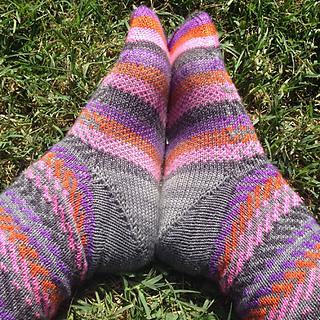 Feet_touching_small2