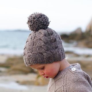 Ravelry: Lucky (bonnet) pattern by Solenn Couix-Loarer
