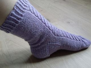 Lavender-coloured_leaves_socks_07_small2