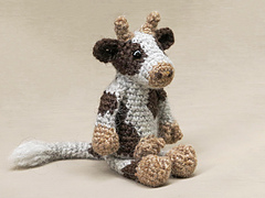 Crochet-cow-amigurumi-pattern_small