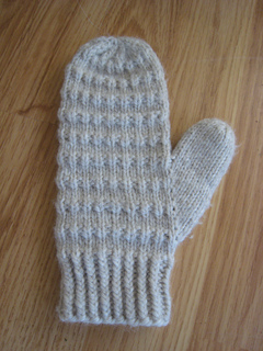 Corregated_mittens_005_small2