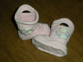 Baby_goshalosh_booties-pound_of_love_yarn_small2