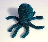 Mini_octopus_sitting_small_best_fit