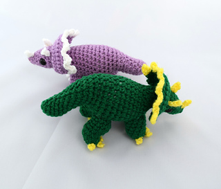 Multiple_triceratops__19__small2