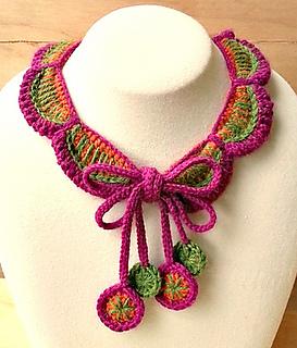 Petals_collar_small2