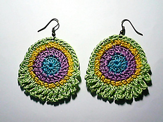 Peacock_feather_earrings_small2