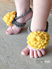 String_with_style_baby_barefoot_sandals_small