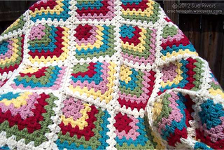 Miteredgrannyblanket_small2