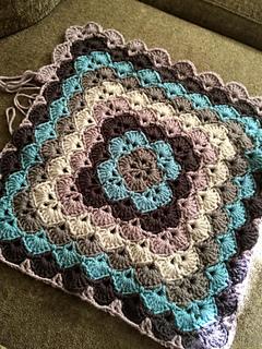 Ravelry beautiful shells blanket pattern by lahoma nally kaye sugarpurlyarns dt1010fo