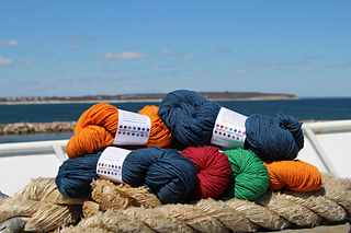 15_yarn_on_boat_small2