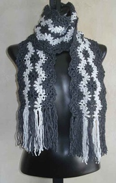 Lacy_striped_scarf_500_small_best_fit