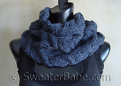 Luscious_cabled_cowl_500_small