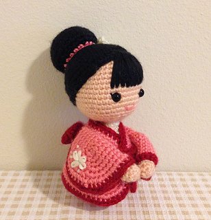 http://www.sweetsofties.com/2016/02/the-japanese-kimono-doll-pattern-and.html