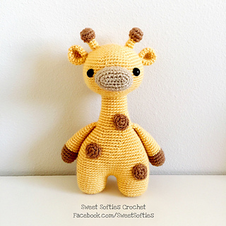 http://www.sweetsofties.com/2017/02/ginger-giraffe-twee-toys-collectible.html