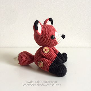 http://www.sweetsofties.com/2017/02/fletcher-fox-twee-toys-collectible.html