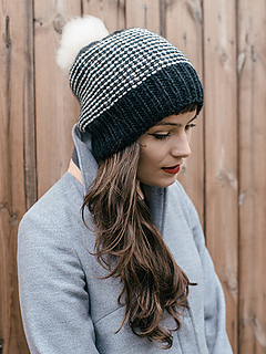 Toft_bicolour_slouch_hat_knitting_kit_luxury_british_wool_yarn_aran_small2