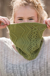 Wanderlust_-_cabled_cowl_beauty_shot_small_best_fit