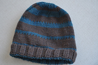 d983d1af Ravelry: New York Zara Men's Line Hat pattern by Mercedes Diaz