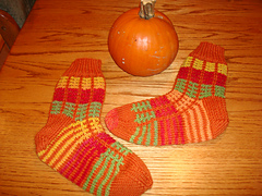 Pumpkin_socks_030_small