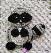 Raccoon_applique_watermark_small_best_fit