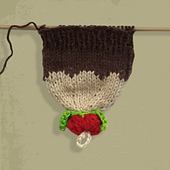 Christmas_pudding_gloves_-__ravelry_thumbnail_2_small_best_fit