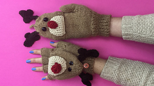 Rudolph_gloves_-_ravelry_2_2015_small_best_fit