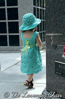 Lacy_shells_dress_back_-_free_crochet_pattern_-_the_lavender_chair_small2