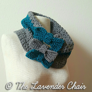 Valerie_s_cinched_bow_cowl_-_free_crochet_pattern_-_the_lavender_chair_small2