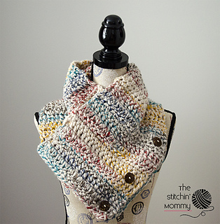 Rustic_chunky_button_cowl_small2