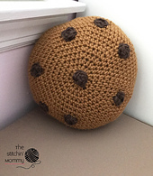 Mini_cookie_pillow_free_crochet_pattern_small_best_fit