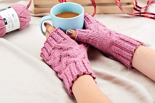 Holt_wristwarmers_458_306_small2