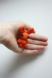 Amigurumi_brooches_orange_bunny_amigurumi_crochet_handmade_small_best_fit