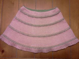 Merrily_we_knit_around_small2