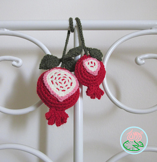 Crochet_pomegranate_-_toma_creations_3_small2