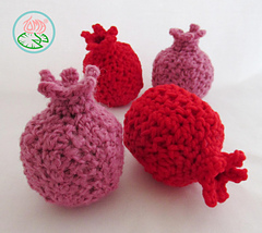 Amigurumi_pomegranates_-_2015_toma_creations_1_small