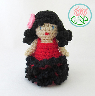 Amigurumi_flamenco_dancer_3_small2