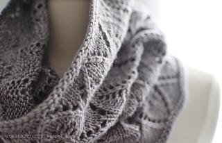 Greyhaven Cowl pattern by Robin Ulrich