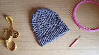 fb2518617f Ravelry  Easy ZigZag Hat pattern by Mireia Marcet