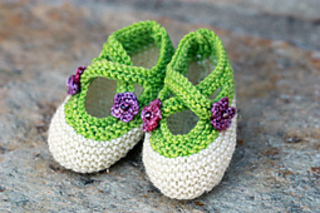 Purple_pansy_booties_small2