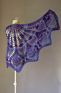 Peacock_shawl_spread_hi-res_small2