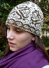 Natural_pinecone_ann_-_hat_cropped_small
