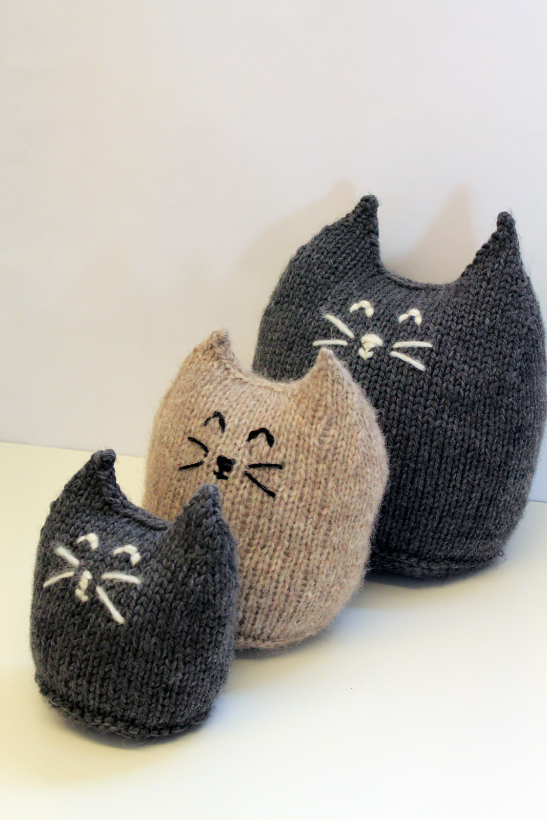Indie Design Gift Along 2018 Toys knitted cats